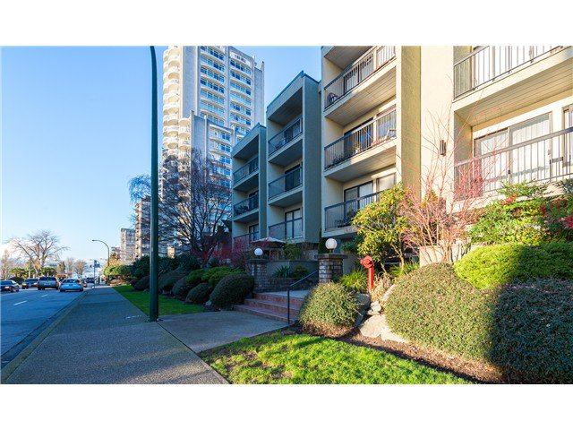 """Photo 1: Photos: 414 1215 PACIFIC Street in Vancouver: West End VW Condo for sale in """"PACIFIC PLACE"""" (Vancouver West)  : MLS®# V1100589"""