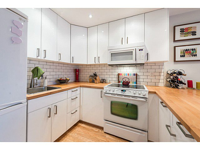"""Photo 5: Photos: 414 1215 PACIFIC Street in Vancouver: West End VW Condo for sale in """"PACIFIC PLACE"""" (Vancouver West)  : MLS®# V1100589"""