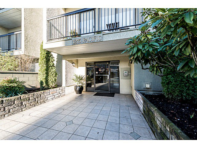 """Photo 2: Photos: 414 1215 PACIFIC Street in Vancouver: West End VW Condo for sale in """"PACIFIC PLACE"""" (Vancouver West)  : MLS®# V1100589"""