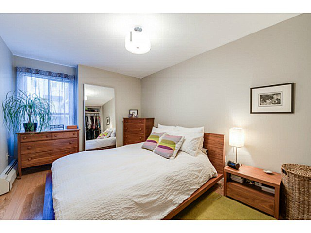 """Photo 13: Photos: 414 1215 PACIFIC Street in Vancouver: West End VW Condo for sale in """"PACIFIC PLACE"""" (Vancouver West)  : MLS®# V1100589"""