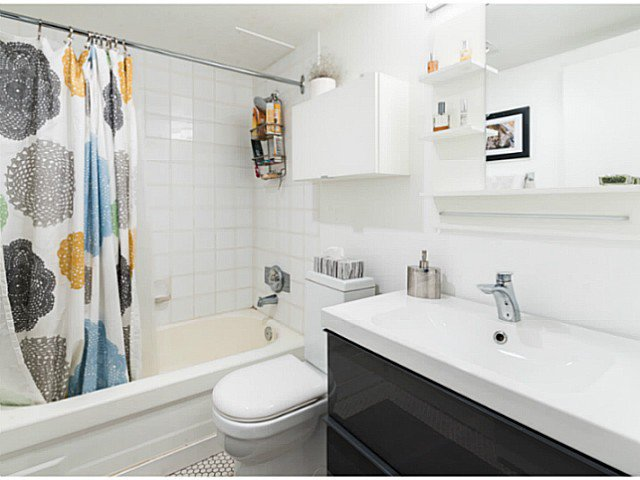 """Photo 14: Photos: 414 1215 PACIFIC Street in Vancouver: West End VW Condo for sale in """"PACIFIC PLACE"""" (Vancouver West)  : MLS®# V1100589"""