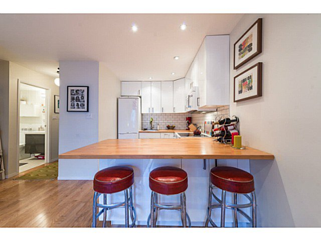 """Photo 9: Photos: 414 1215 PACIFIC Street in Vancouver: West End VW Condo for sale in """"PACIFIC PLACE"""" (Vancouver West)  : MLS®# V1100589"""