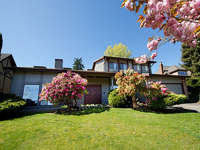 "Main Photo: 5694 GREENLAND Drive in Tsawwassen: Tsawwassen East House for sale in ""The Terrace"" : MLS®# V1119939"