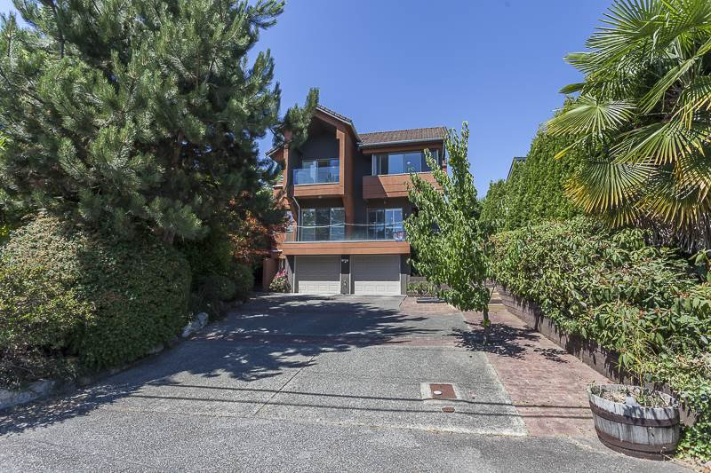 Main Photo: 1527 MATHERS Avenue in West Vancouver: Ambleside House for sale : MLS®# R2038749