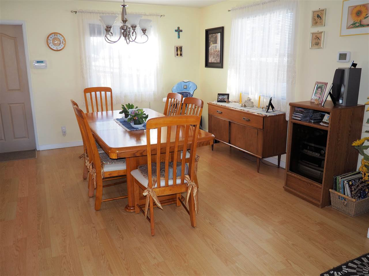 Photo 5: Photos: 905 HARPER Street in Prince George: Central House for sale (PG City Central (Zone 72))  : MLS®# R2040972