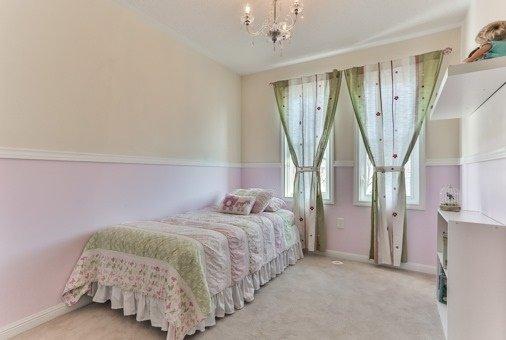 Photo 5: Photos: 26 Yates Avenue in Toronto: Clairlea-Birchmount House (3-Storey) for sale (Toronto E04)  : MLS®# E3441658