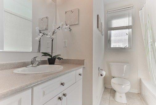 Photo 7: Photos: 26 Yates Avenue in Toronto: Clairlea-Birchmount House (3-Storey) for sale (Toronto E04)  : MLS®# E3441658