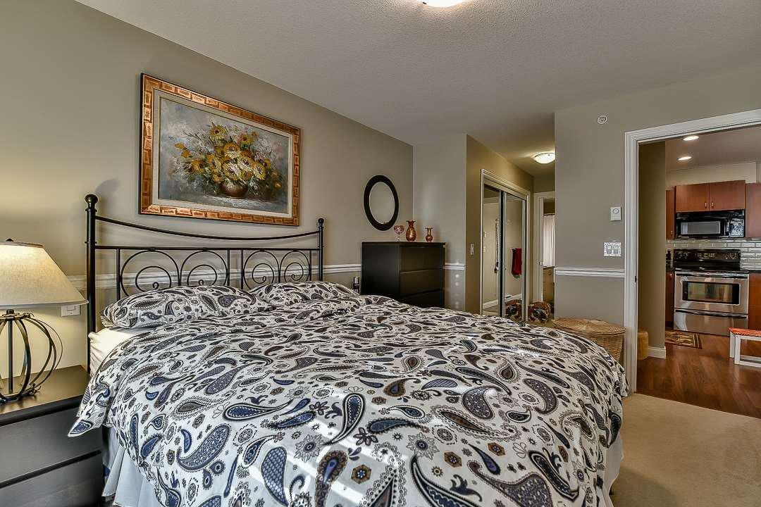 Photo 15: Photos: 403 19730 56 Avenue in Langley: Langley City Condo for sale : MLS®# R2052823