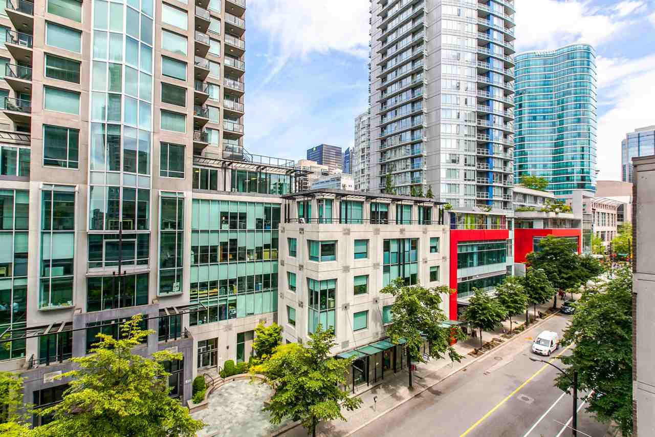 """Main Photo: 704 888 HOMER Street in Vancouver: Downtown VW Condo for sale in """"BEASLEY"""" (Vancouver West)  : MLS®# R2077176"""