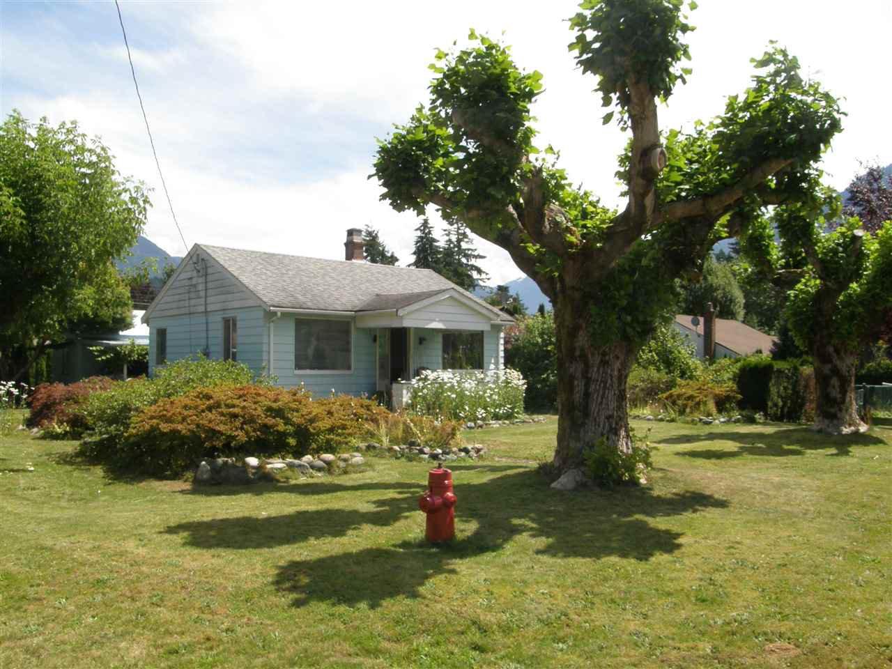Main Photo: 509 FRASER Avenue in Hope: Hope Center House for sale : MLS®# R2092970
