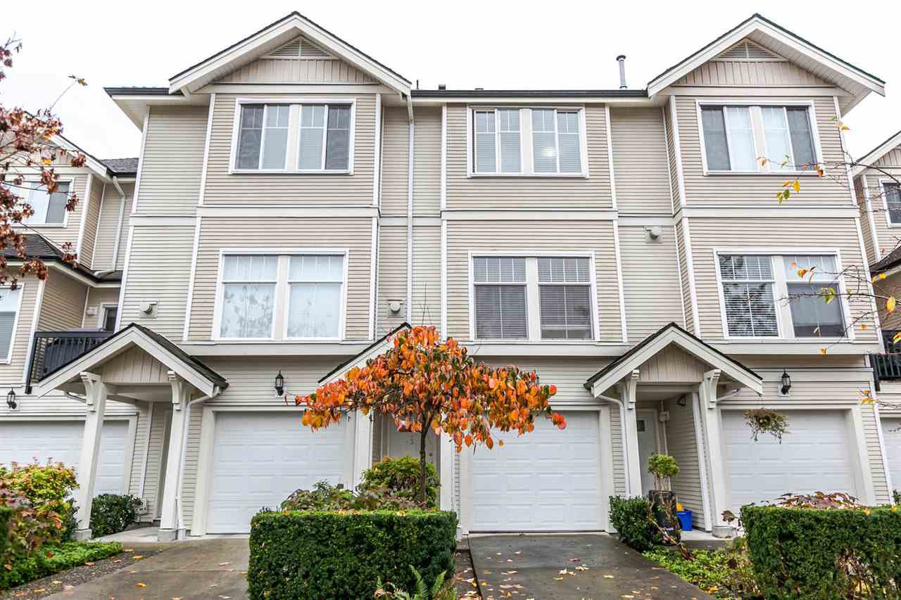 "Main Photo: 3 21535 88 Avenue in Langley: Walnut Grove Townhouse for sale in ""REDWOOD LANE"" : MLS®# R2119278"