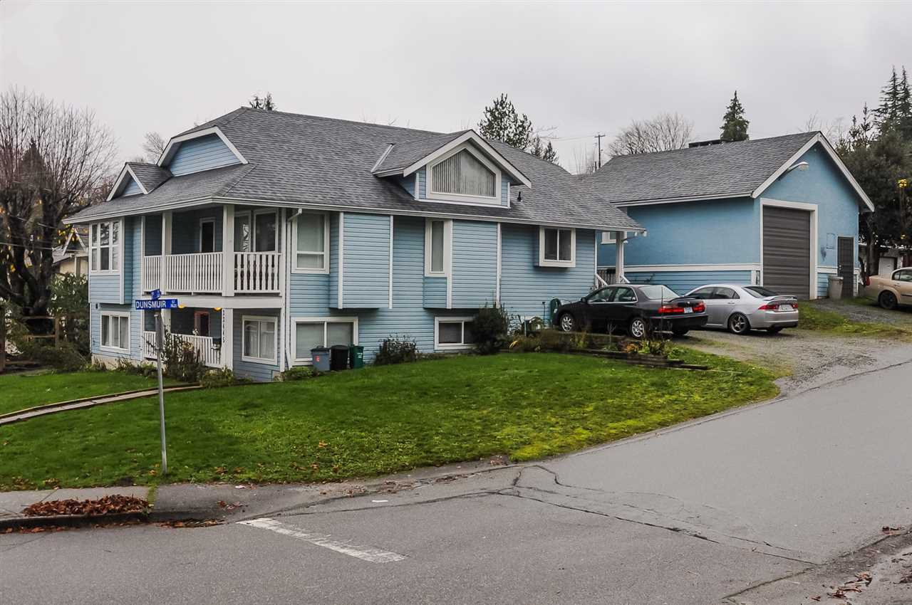Main Photo: 33445 3RD Avenue in Mission: Mission BC House for sale : MLS®# R2127063