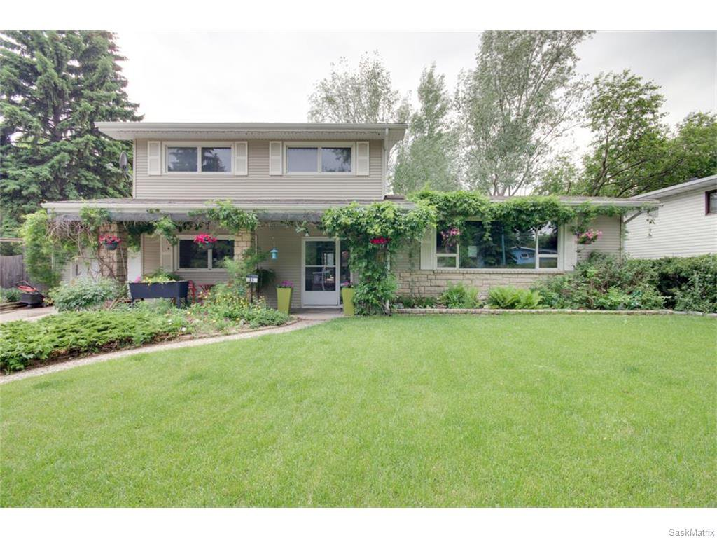 Main Photo: 25 TIBBITS Road in Regina: Albert Park Residential for sale : MLS®# SK612003