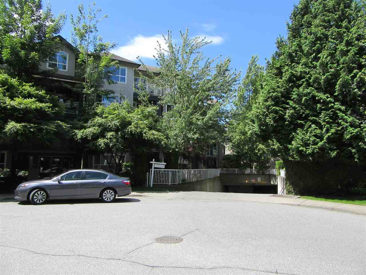 Main Photo: 302 8115 121A Street in Surrey: Queen Mary Park Surrey Condo for sale : MLS®# R2181096