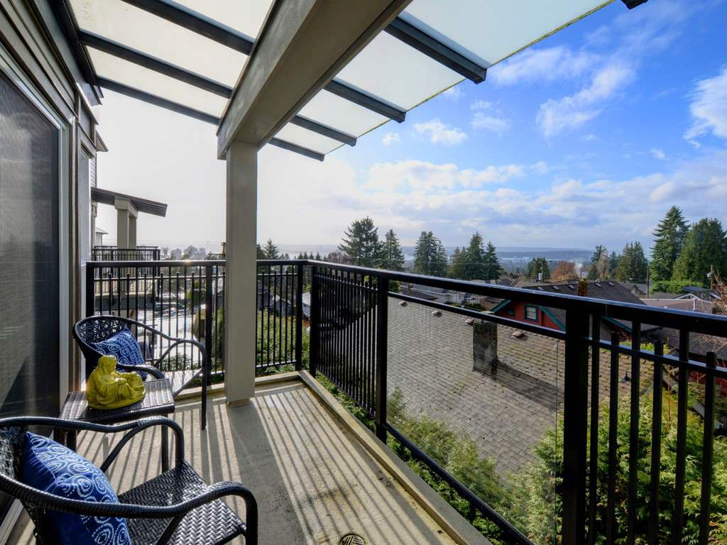"""Photo 19: Photos: 402 106 W KINGS Road in North Vancouver: Upper Lonsdale Condo for sale in """"KINGS COURT"""" : MLS®# R2233563"""