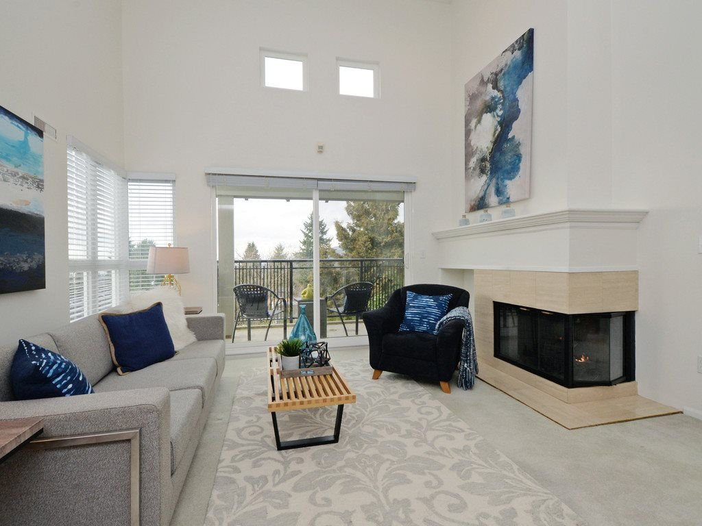 """Photo 4: Photos: 402 106 W KINGS Road in North Vancouver: Upper Lonsdale Condo for sale in """"KINGS COURT"""" : MLS®# R2233563"""