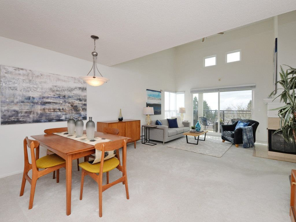 """Photo 5: Photos: 402 106 W KINGS Road in North Vancouver: Upper Lonsdale Condo for sale in """"KINGS COURT"""" : MLS®# R2233563"""