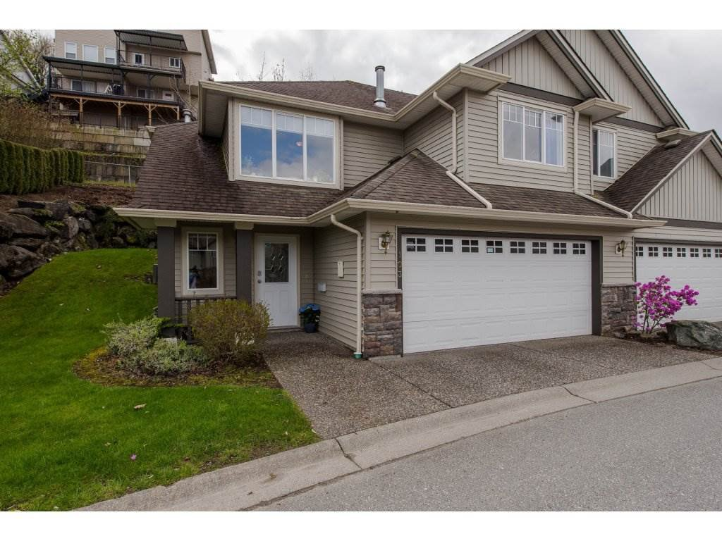 """Main Photo: 103 46360 VALLEYVIEW Road in Sardis: Promontory Townhouse for sale in """"CENTRE ROCK"""" : MLS®# R2258323"""