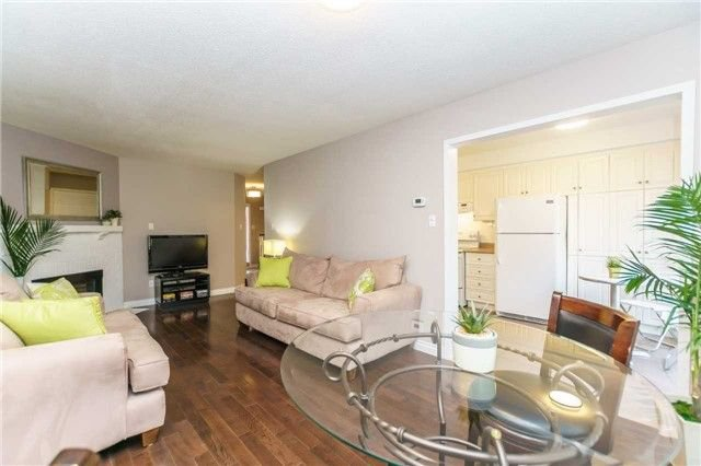 Photo 6: Photos: 48 1610 E Crawforth Street in Whitby: Blue Grass Meadows Condo for sale : MLS®# E4125009