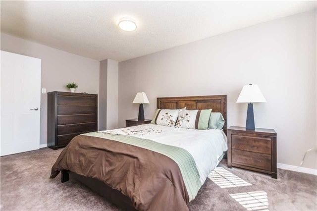 Photo 12: Photos: 48 1610 E Crawforth Street in Whitby: Blue Grass Meadows Condo for sale : MLS®# E4125009
