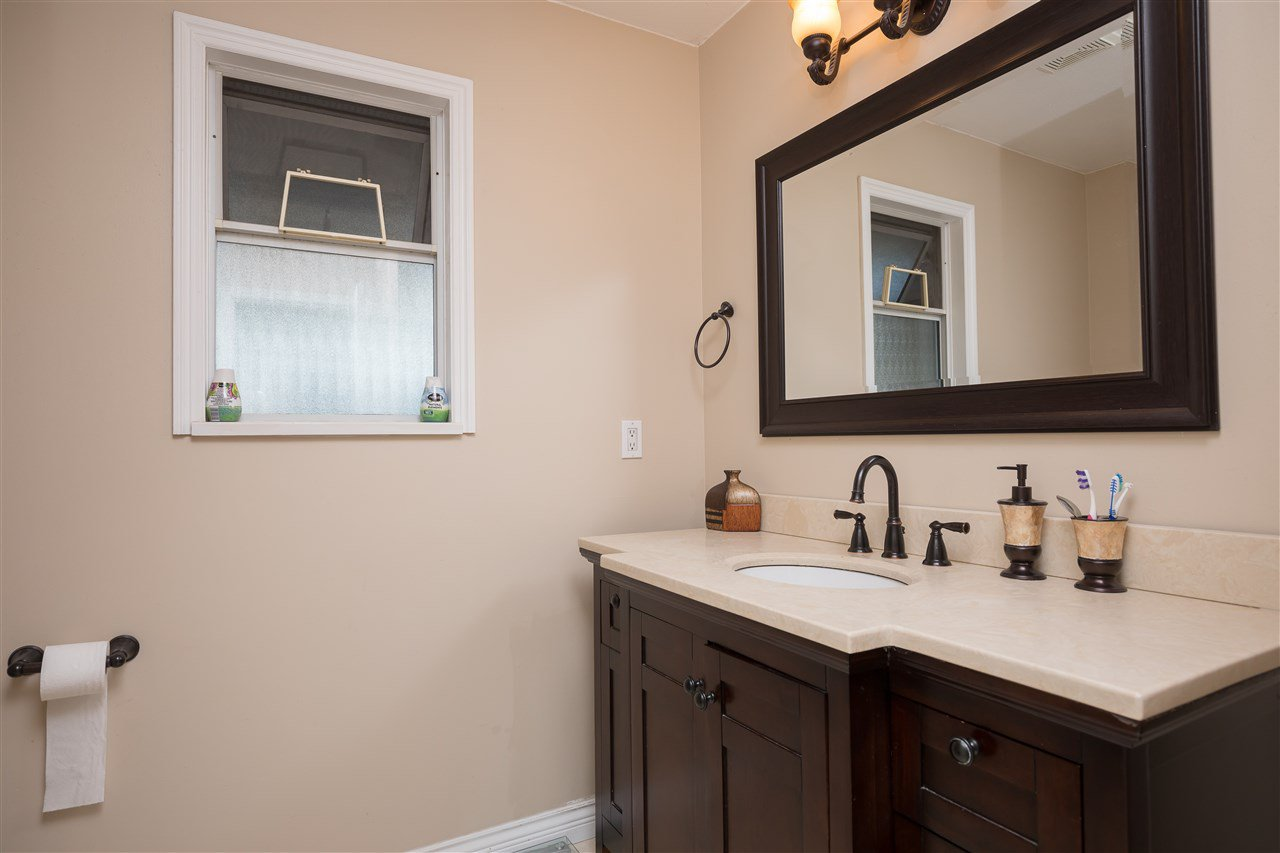 Photo 13: Photos: 30432 SANDPIPER Drive in Abbotsford: Abbotsford West House for sale : MLS®# R2310019