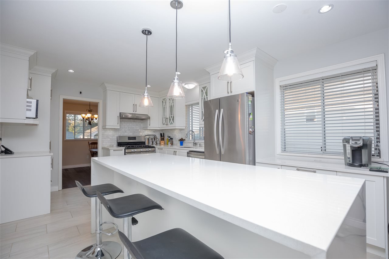 Photo 5: Photos: 30432 SANDPIPER Drive in Abbotsford: Abbotsford West House for sale : MLS®# R2310019