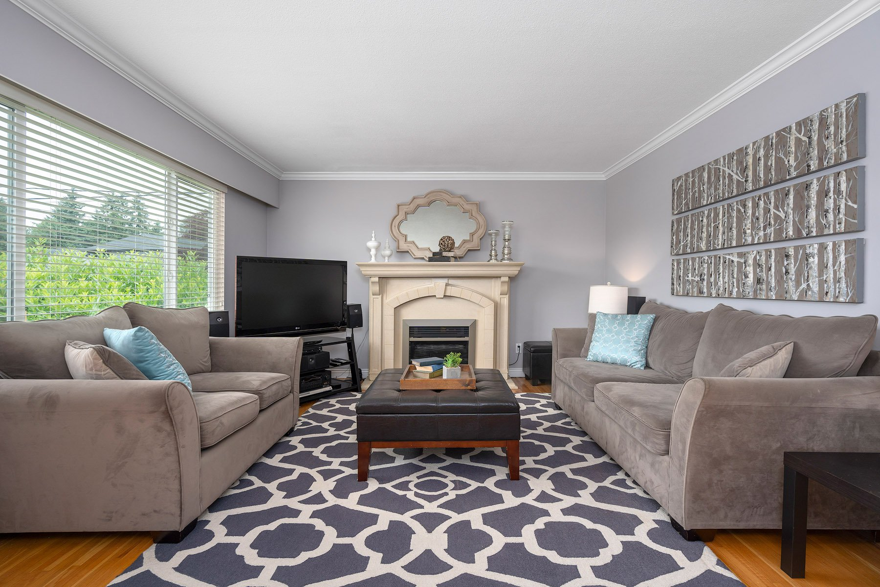 Photo 3: Photos: 423 MONTGOMERY Street in Coquitlam: Central Coquitlam House for sale : MLS®# R2380693