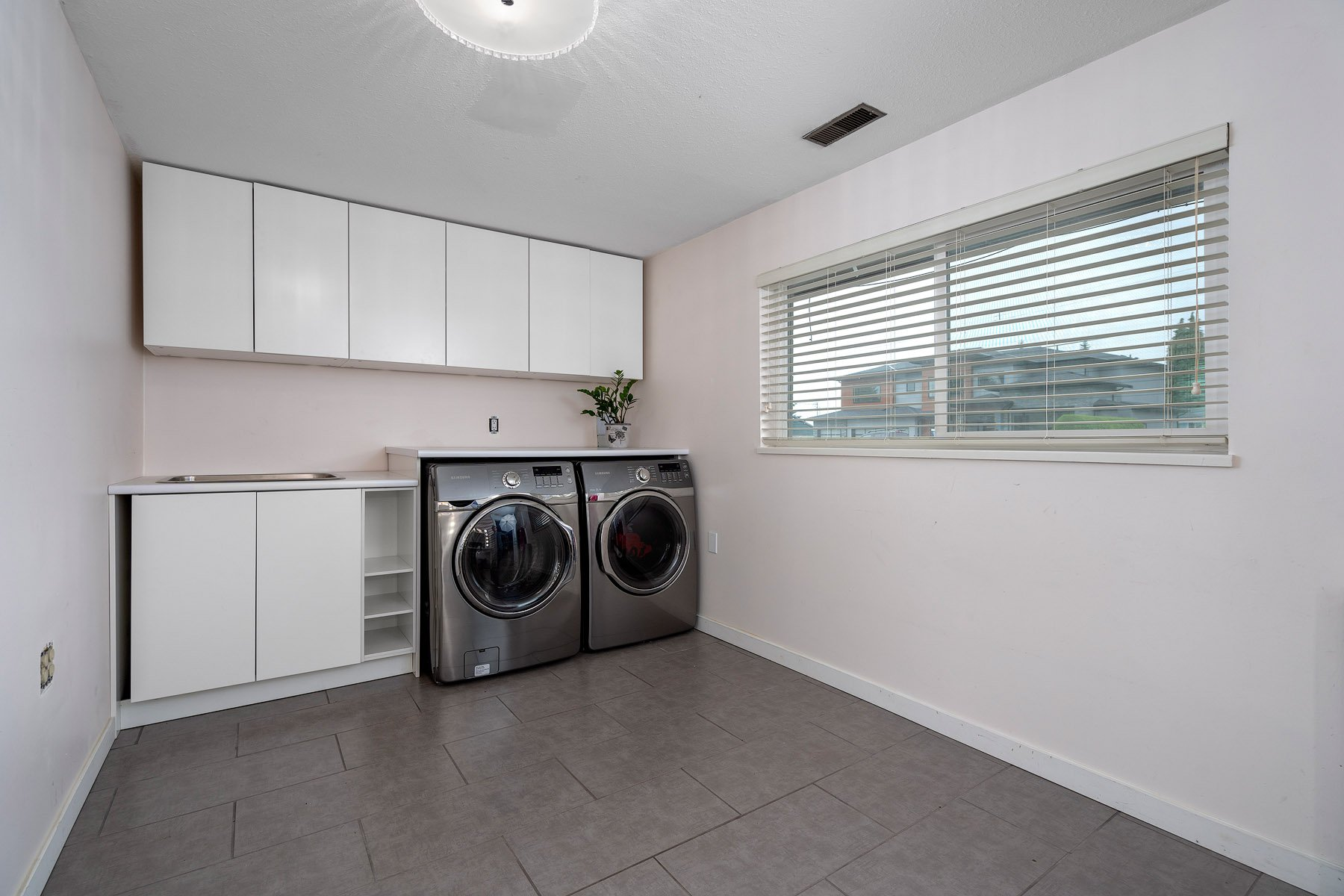 Photo 19: Photos: 423 MONTGOMERY Street in Coquitlam: Central Coquitlam House for sale : MLS®# R2380693
