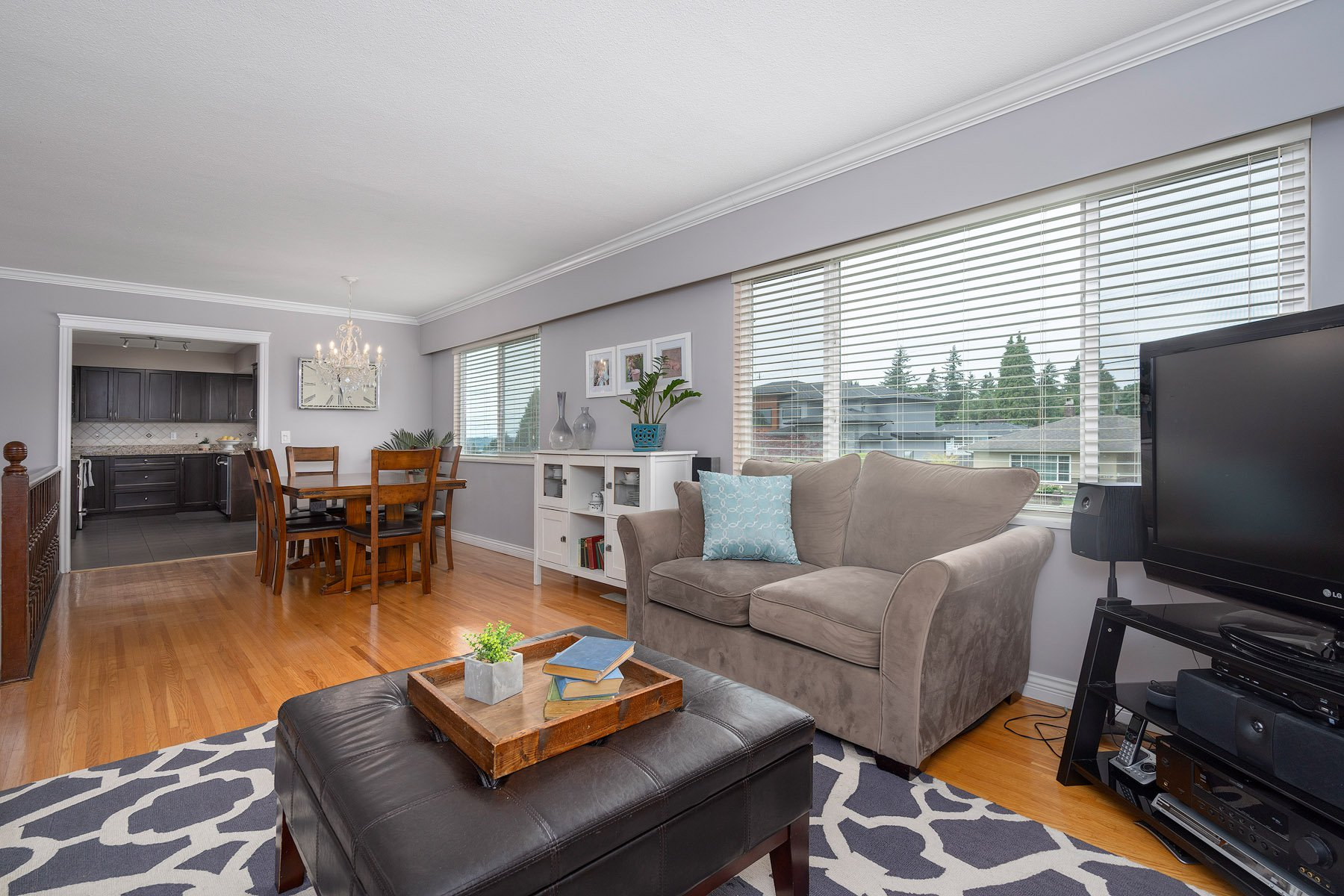 Photo 5: Photos: 423 MONTGOMERY Street in Coquitlam: Central Coquitlam House for sale : MLS®# R2380693