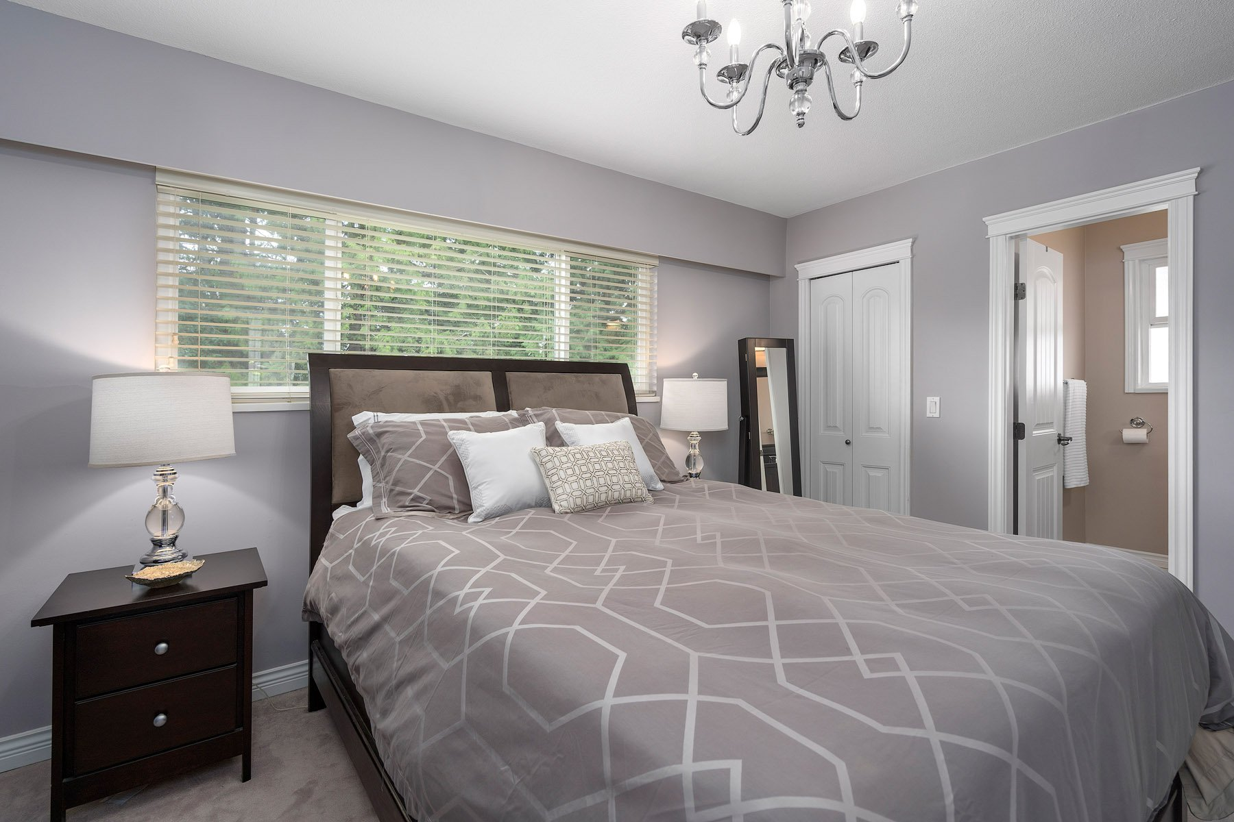 Photo 10: Photos: 423 MONTGOMERY Street in Coquitlam: Central Coquitlam House for sale : MLS®# R2380693