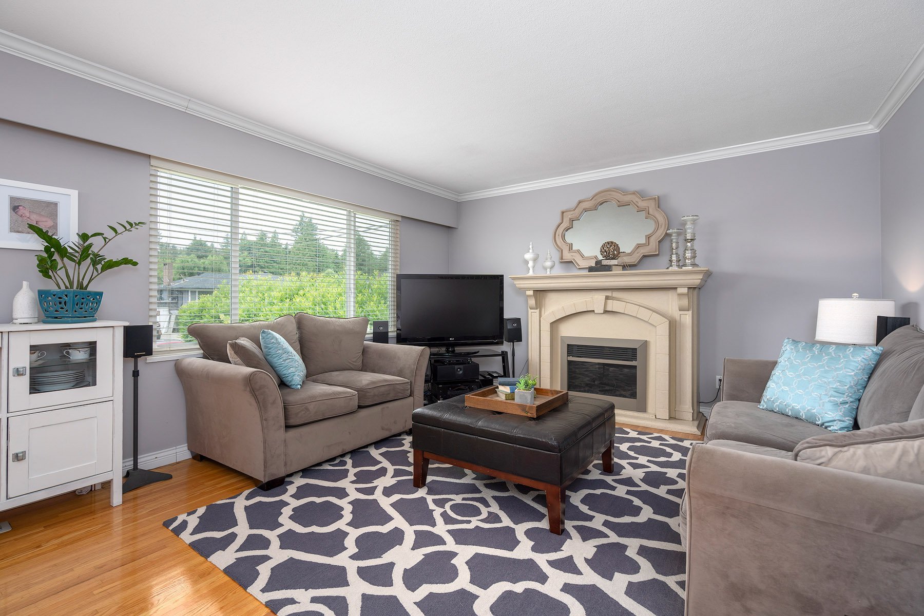 Photo 4: Photos: 423 MONTGOMERY Street in Coquitlam: Central Coquitlam House for sale : MLS®# R2380693