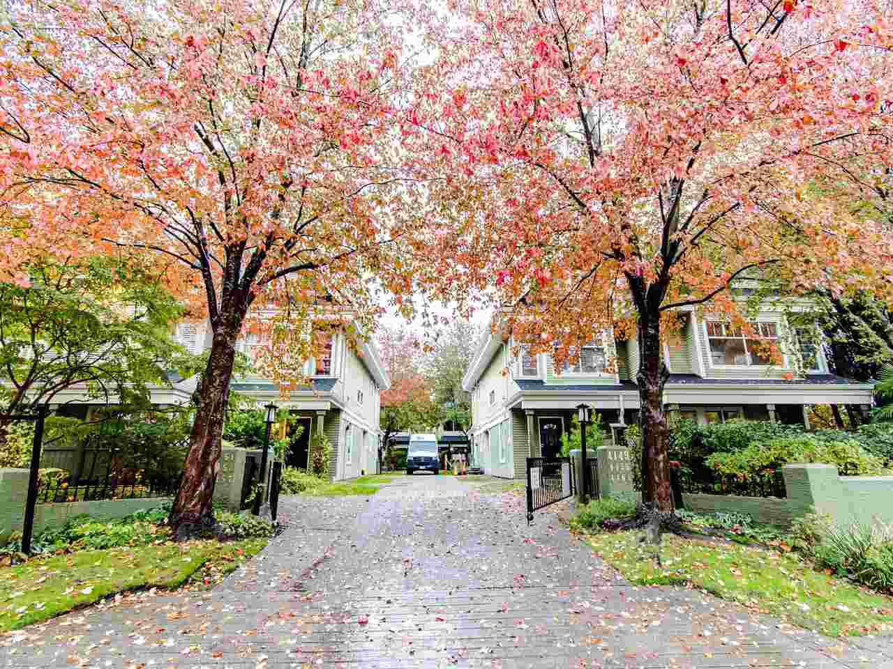 """Main Photo: 15 4157 SOPHIA Street in Vancouver: Main Townhouse for sale in """"Empress Court"""" (Vancouver East)  : MLS®# R2414907"""
