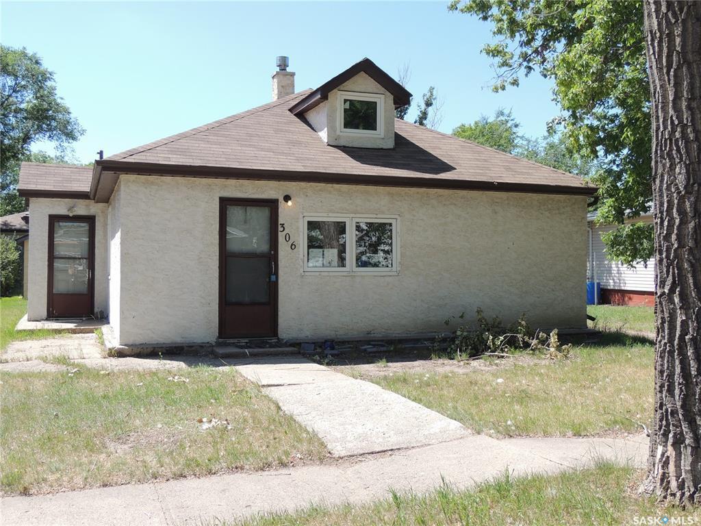 Main Photo: 306 Taylor Street in Bienfait: Residential for sale : MLS®# SK815474