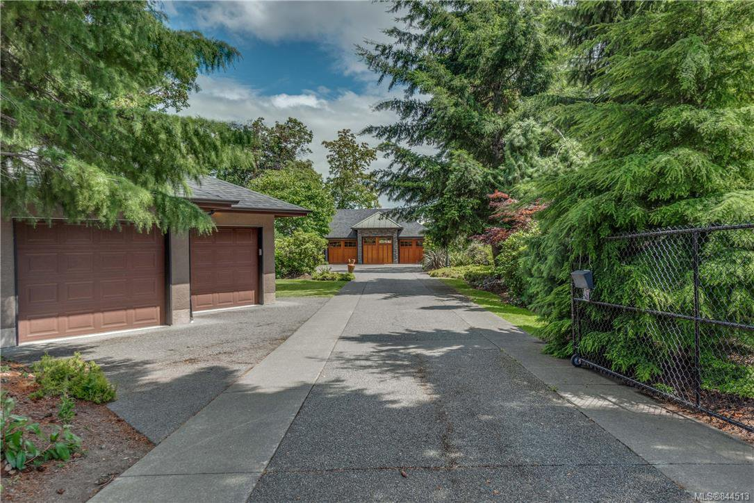 Main Photo: 2477 Prospector Way in Langford: La Florence Lake Single Family Detached for sale : MLS®# 844513