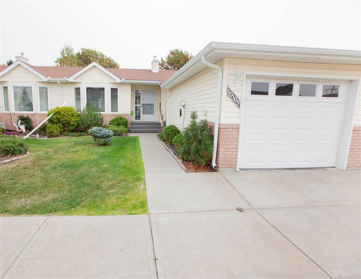 Main Photo: 10109 105 Avenue: Morinville Condo for sale : MLS®# E4215028