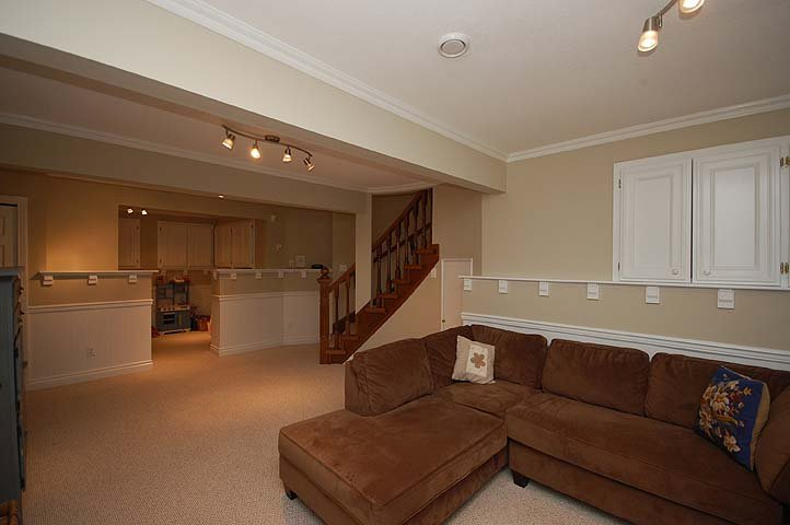 """Photo 17: Photos: 228 ANTHONY Court in New Westminster: Queens Park House for sale in """"Queen's Park"""" : MLS®# V898673"""