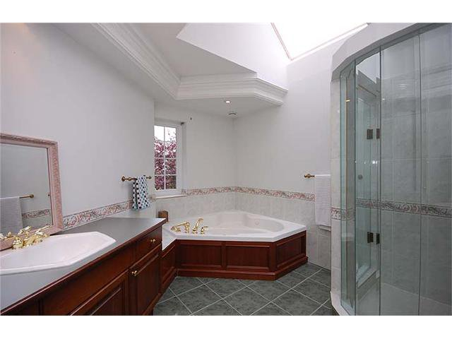"""Photo 9: Photos: 228 ANTHONY Court in New Westminster: Queens Park House for sale in """"Queen's Park"""" : MLS®# V898673"""