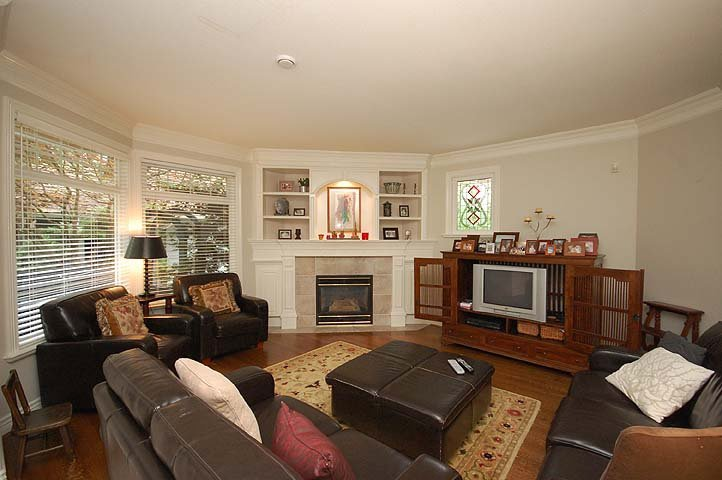 """Photo 11: Photos: 228 ANTHONY Court in New Westminster: Queens Park House for sale in """"Queen's Park"""" : MLS®# V898673"""