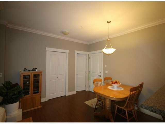 "Photo 3: Photos: 307 15368 17A Avenue in Surrey: King George Corridor Condo for sale in ""Ocean Wynde"" (South Surrey White Rock)  : MLS®# F1425157"
