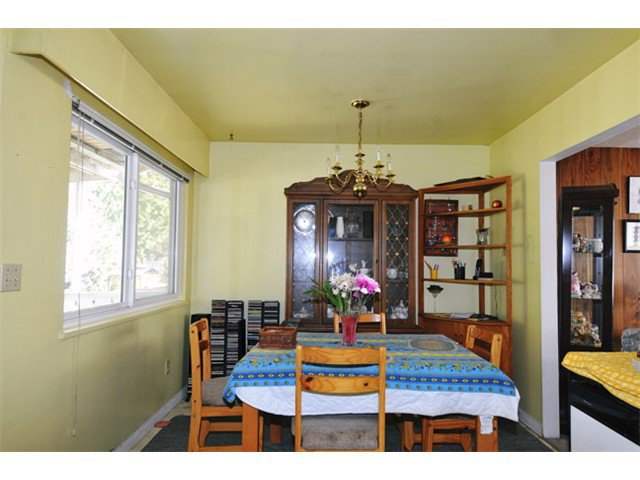 Photo 4: Photos: 21081 119TH Avenue in Maple Ridge: Southwest Maple Ridge House for sale : MLS®# V1109671