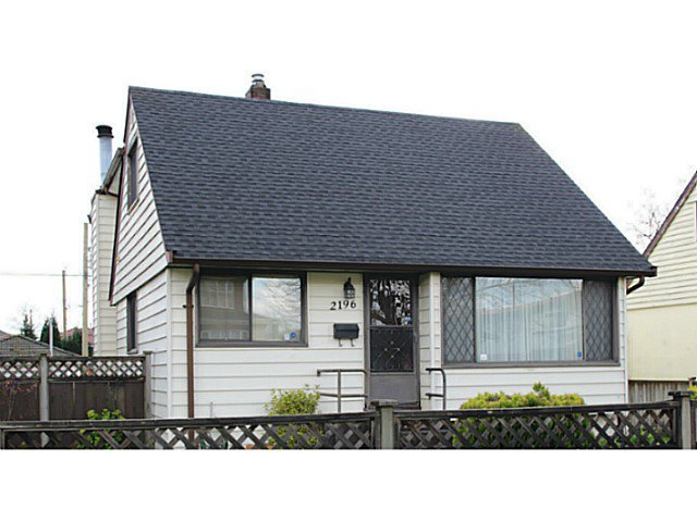 Main Photo: 2196 E 55TH Avenue in Vancouver: Fraserview VE House for sale (Vancouver East)  : MLS®# V1113255