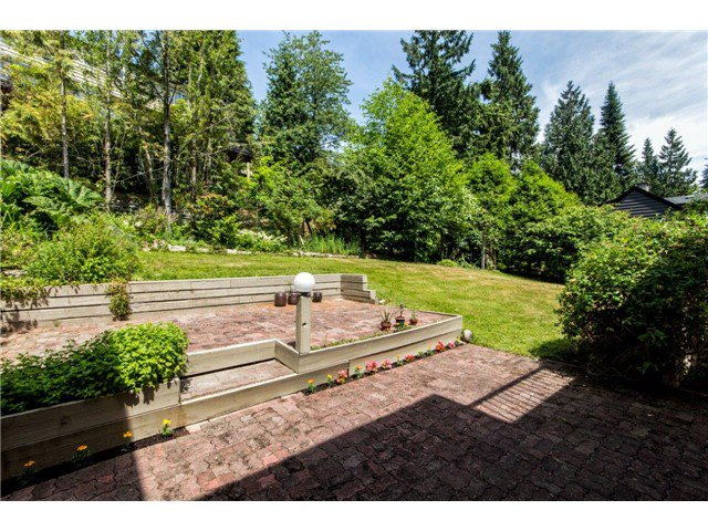 Photo 6: Photos: 1284 ELDON Road in North Vancouver: Canyon Heights NV House for sale : MLS®# V1129079
