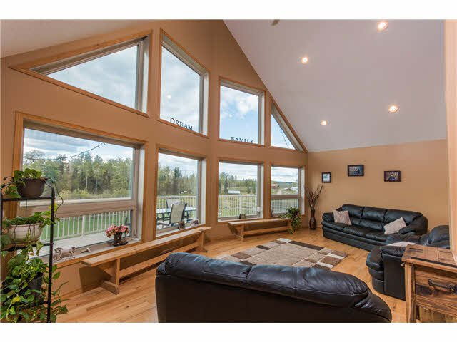 """Photo 4: Photos: 10940 SALMON VALLEY Road: Salmon Valley House for sale in """"SALMON VALLEY"""" (PG Rural North (Zone 76))  : MLS®# N248396"""