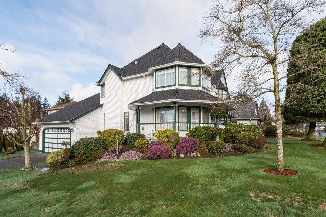 """Main Photo: 6209 125 Street in Surrey: Panorama Ridge House for sale in """"Boundary Park"""" : MLS®# R2036006"""