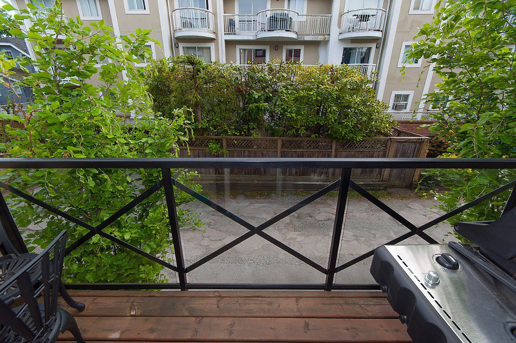"Photo 4: Photos: 958 W 15TH Avenue in Vancouver: Fairview VW Townhouse for sale in ""THE CLASSIX"" (Vancouver West)  : MLS®# R2063040"