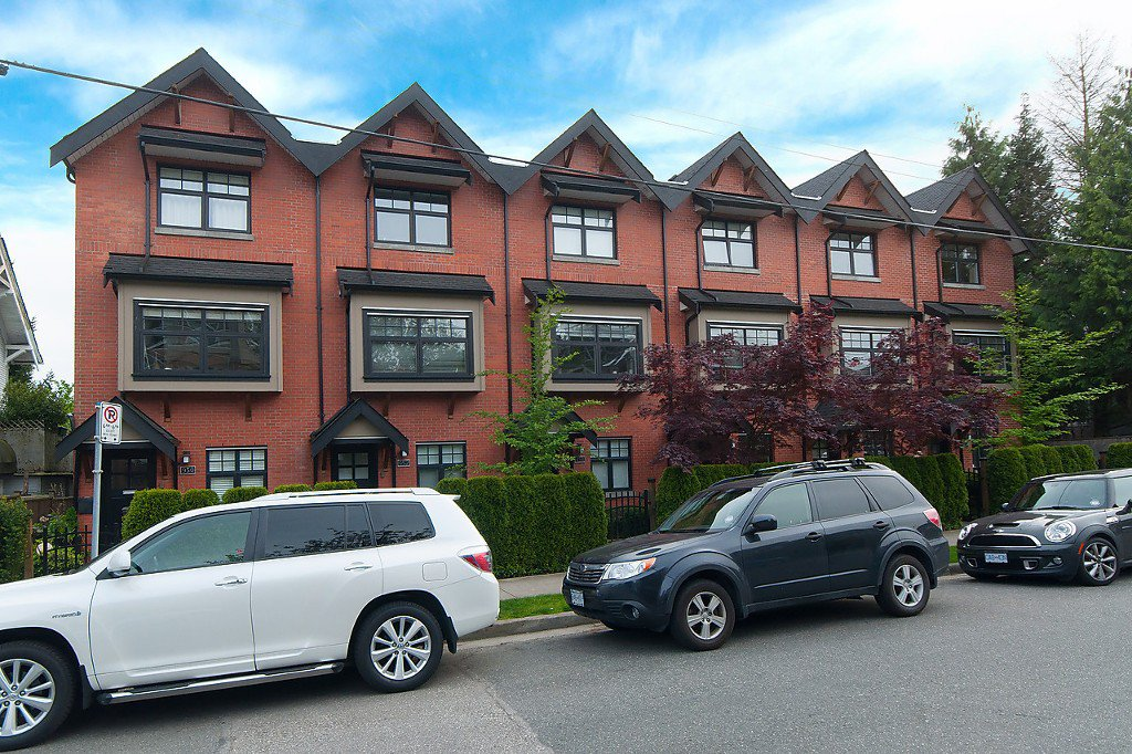 "Photo 2: Photos: 958 W 15TH Avenue in Vancouver: Fairview VW Townhouse for sale in ""THE CLASSIX"" (Vancouver West)  : MLS®# R2063040"