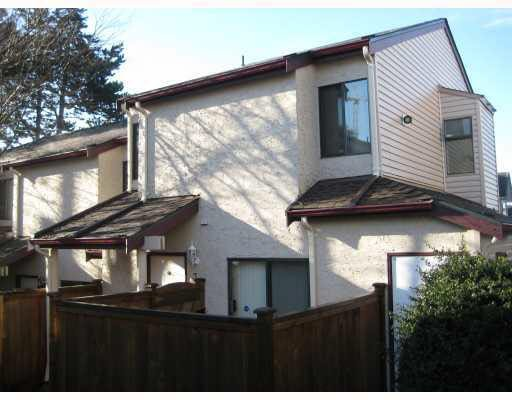 Main Photo: 32 230 W 14TH STREET in : Central Lonsdale Townhouse for sale : MLS®# V749506