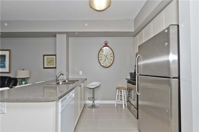 Photo 9: Photos: 113 5020 Corporate Drive in Burlington: Uptown Condo for lease : MLS®# W3508838