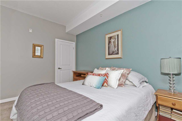 Photo 3: Photos: 113 5020 Corporate Drive in Burlington: Uptown Condo for lease : MLS®# W3508838
