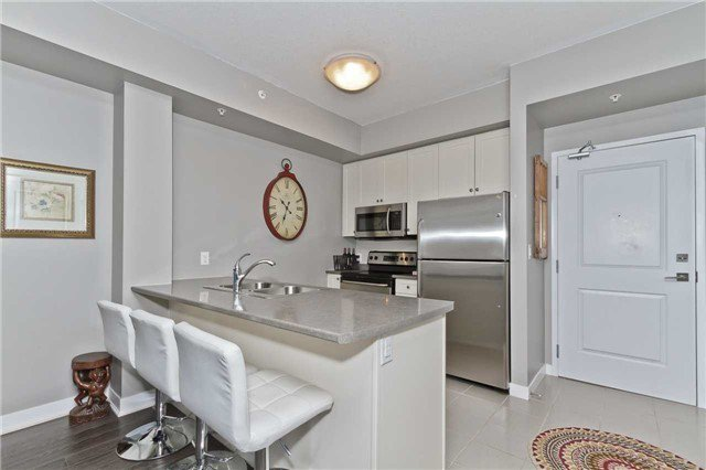 Photo 8: Photos: 113 5020 Corporate Drive in Burlington: Uptown Condo for lease : MLS®# W3508838